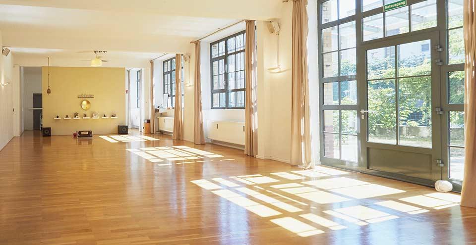 Peace Yoga Berlin - Jivamukti Yoga Schule in Berlin Kreuzberg/ Neukölln
