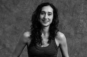 Dana Sertel - Yogalehrerin Berlin, Certified Jivamukti Yoga Teacher