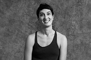 Julia Pinter - Yogalehrerin Berlin, Certified Jivamukti Yoga Teacher