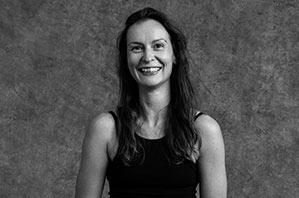 Karolina Juchnik - Yogalehrerin Berlin, Certified Jivamukti Yoga Teacher