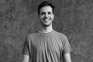 Moritz Ulrich - Yogalehrer Peace Yoga Berlin, Advanced Certified Jivamukti Yoga Teacher