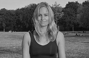 Stephanie Wieck - Yogalehrerin Berlin, Certified Jivamukti Yoga/ Vinyasa Flow Teacher