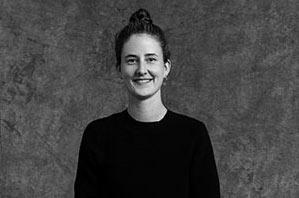 Ulrike Schäfer - Yogalehrerin Berlin, Certified Jivamukti Yoga Teacher